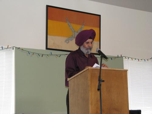 Poet and Singer, Pashaura Singh Dhillon singing his poem on the Ghadar Revolutionaries at the Yugantar Ashram (Ghadar Memorial)
